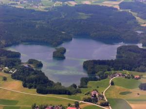 Der Langbürgner See im Naturschutz- und FFH-Gebiet Hemhof Eggstätter Seenplatte